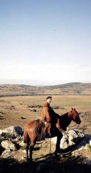 Antonio-and-Horse-2